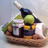 An awesomeCheese Hamper