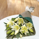 White or pink Sorel lily bouquet