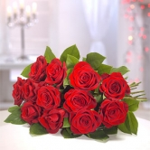 12 Luxury Red Roses - Flat Bouquet